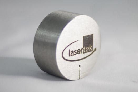 Grabado laser de metales Lasertek 7