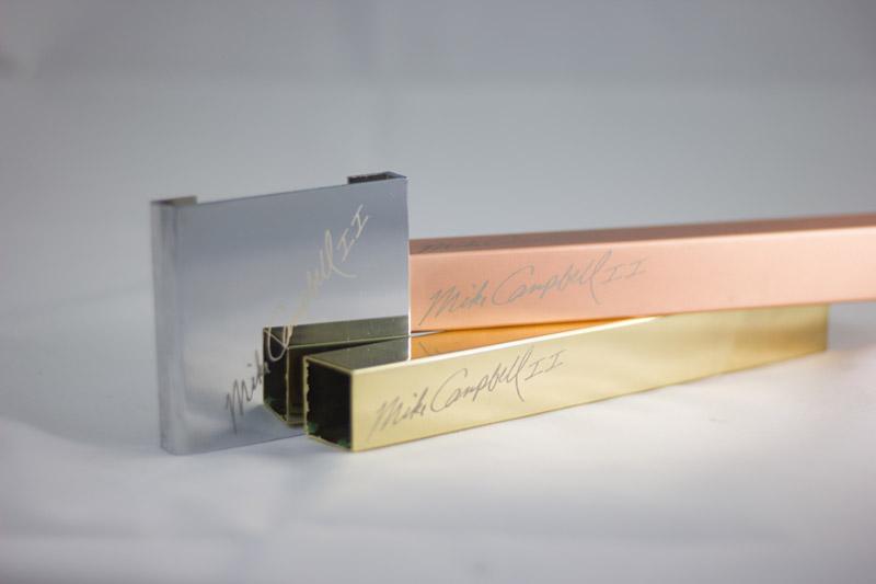 Grabado laser de metales Lasertek