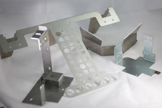Plegado de piezas metalicas Lasertek 1