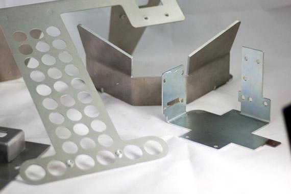 Plegado de piezas metalicas Lasertek 2